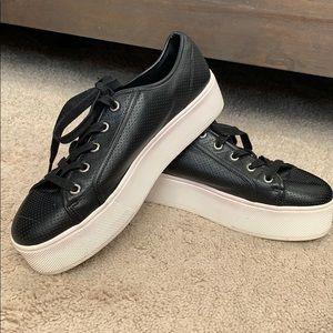 Steve Madden black leather platform shoes 9 1/2